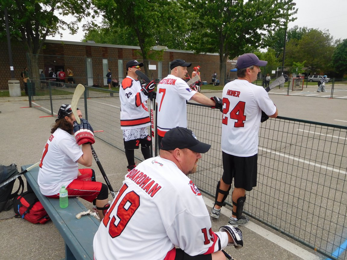 View Askew Vulgarians – View Askew Street Hockey League